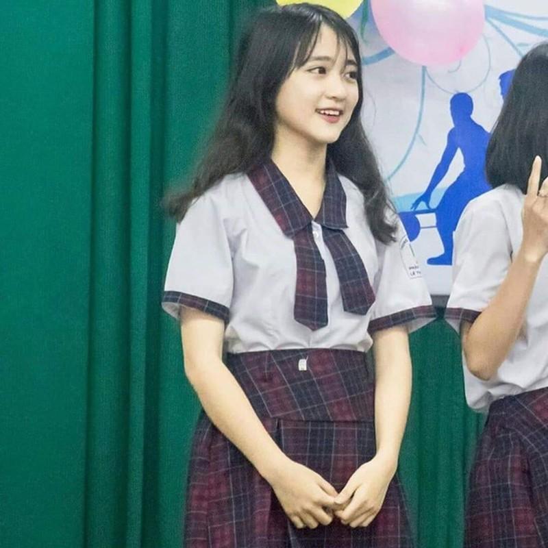 """Bi chup len nu sinh 2K2 khien dan mang """"met tim"""" vi dieu nay"""