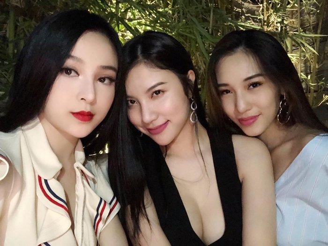 Loat me bim sua cung hoi ban than khoe cuoc song gay bao mang-Hinh-7