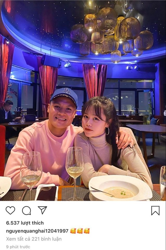 "Bi fans Nhat Le ""khung bo"", ban gai moi Quang Hai dap tra cuc gat"