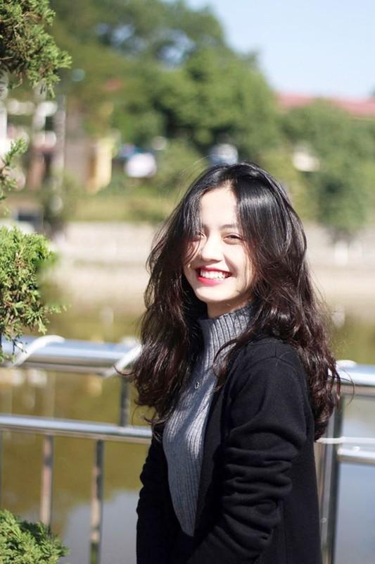 Cuu nu sinh Ngoai thuong da xinh, bang diem lai con trong mo-Hinh-8
