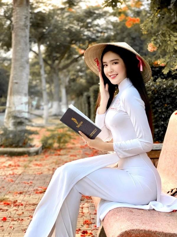 Hot girl Viet khien netizen xu Trung dien dao vi dieu nay
