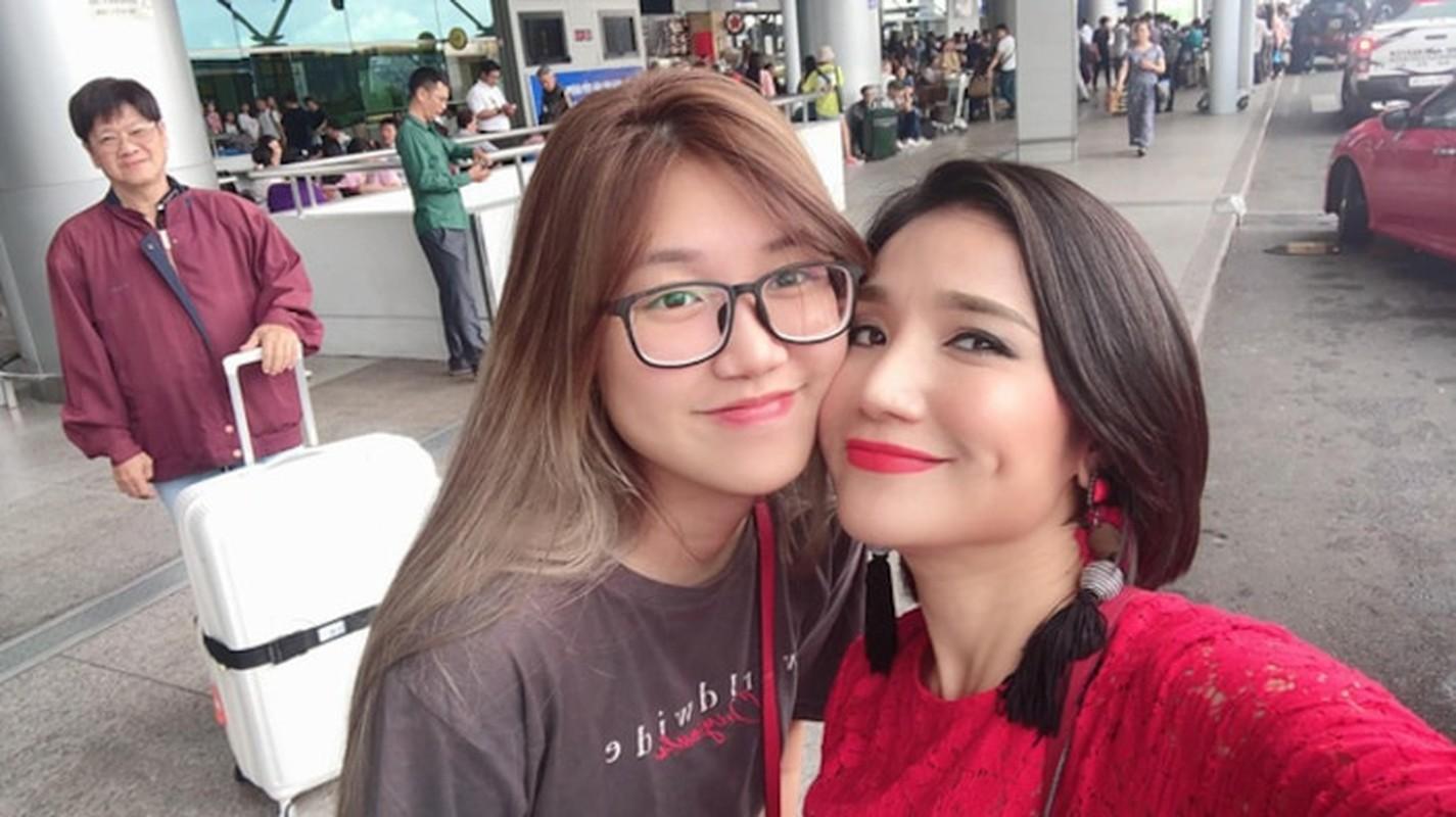 Do nhan sac dan con gai noi tieng nha MC Viet gay sot mang-Hinh-14