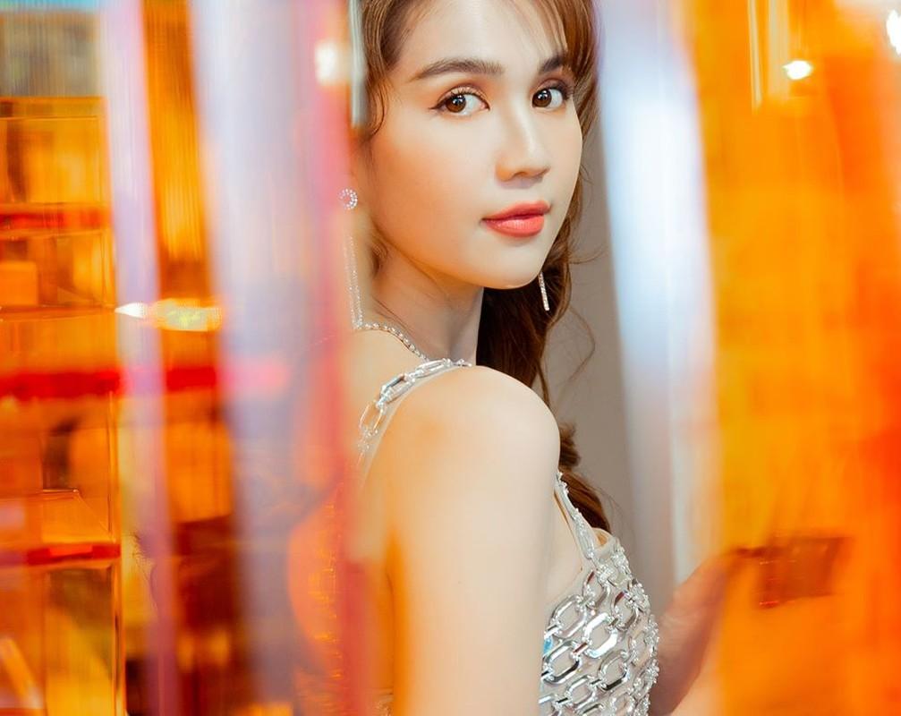 Vu Khac Tiep bat ngo tiet lo su that ve Ngoc Trinh gay sot-Hinh-10