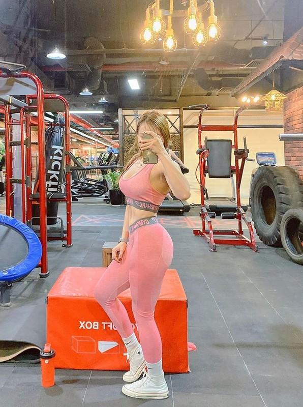 Nu gymer Thanh Hoa khoe body khien moi chang trai phai ghen ty