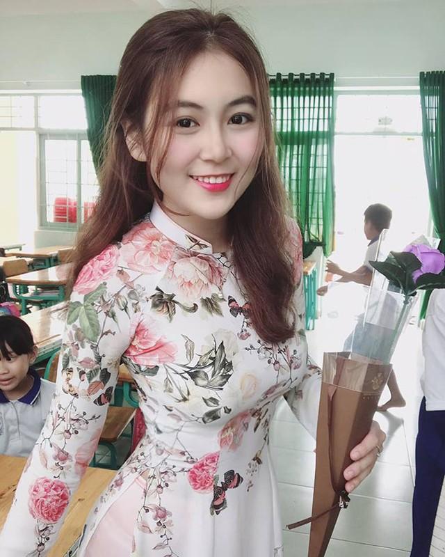 Xuat hien co giao tieu hoc so huu nhan sac chuan hot girl-Hinh-10