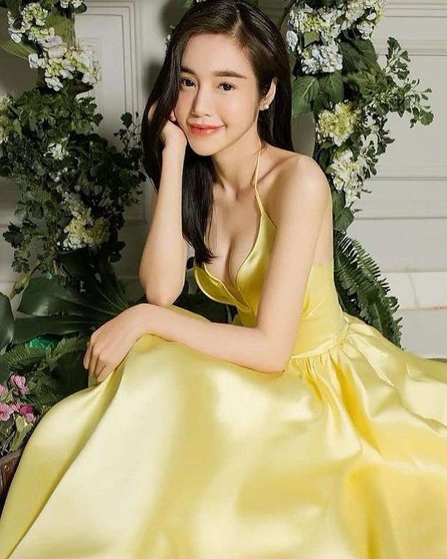 Ven ao khoe vong eo, hoi my nhan Viet lo mui bung cuon cuon-Hinh-12