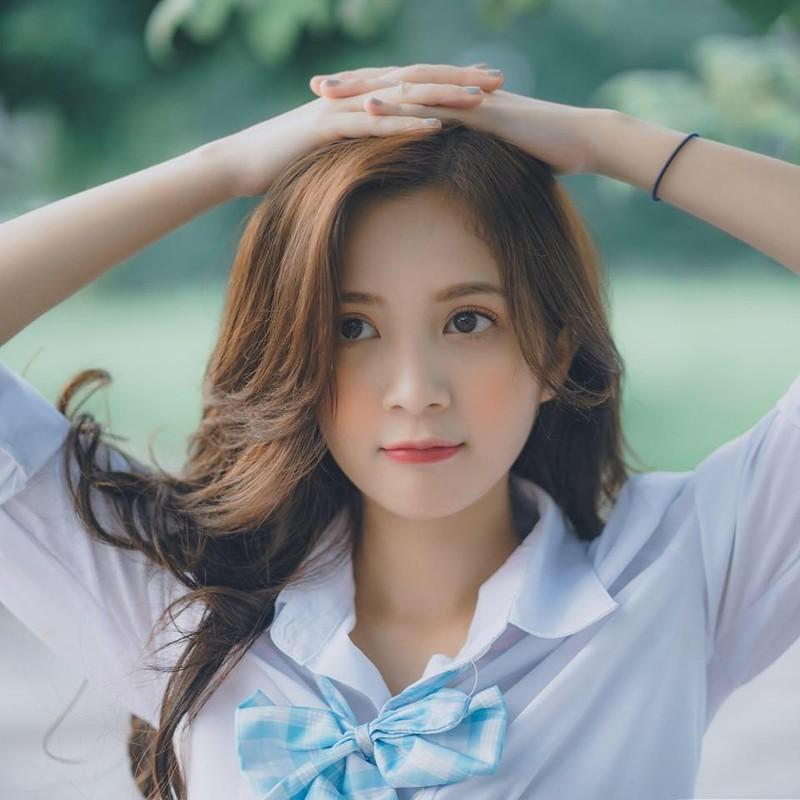 Khoe anh o ho sen, hot girl Ha thanh noi nhu con tren MXH-Hinh-10