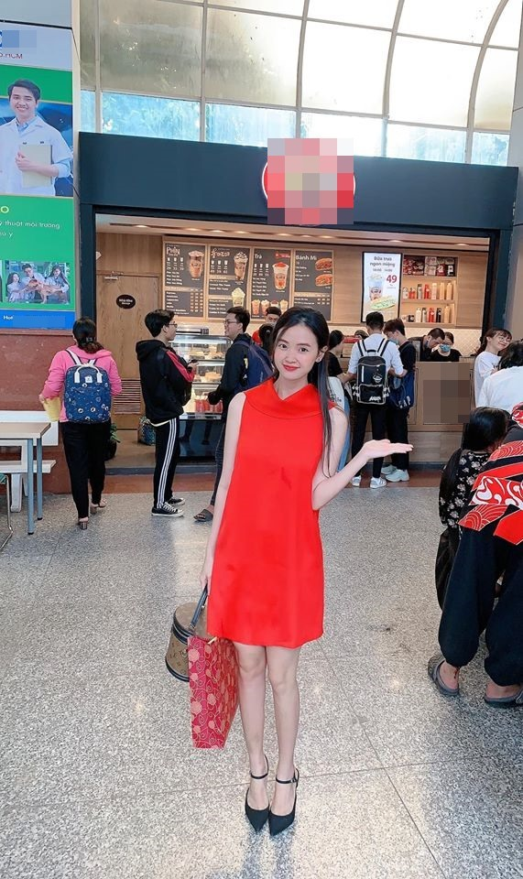 Di cham thi, hot girl Midu khien thi sinh khong muon nop bai som-Hinh-2