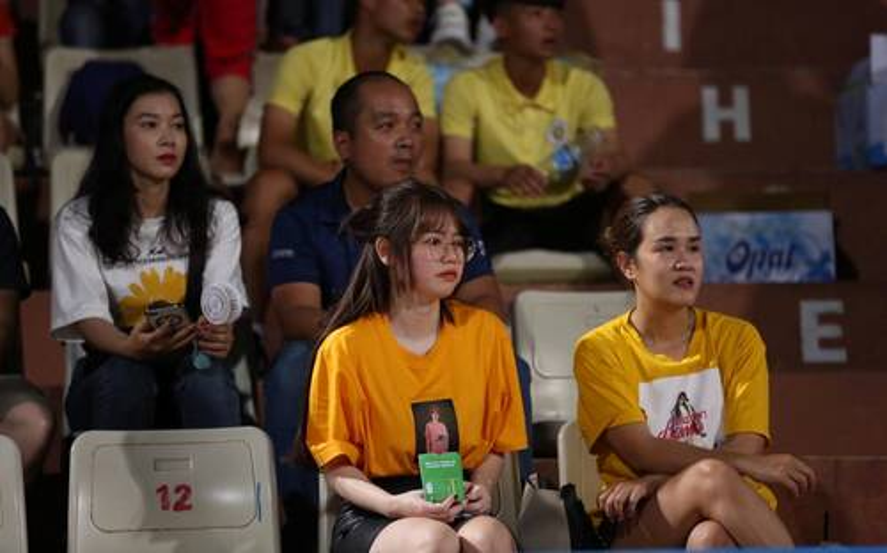 Cung len song truyen hinh, ban gai Phan Van Bieu van xinh bat chap-Hinh-5
