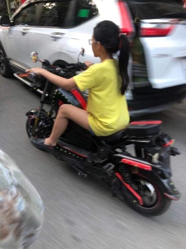 "Sau 3 nam, co be ""Chau khong biet, co di ra di"" bat ngo tro lai-Hinh-5"