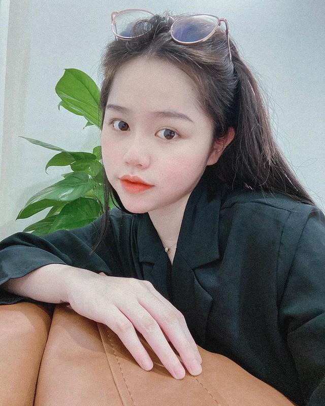 """Ban gai Quang Hai """"du trend"""" o nha va ra duong khien fan kho hieu-Hinh-6"""