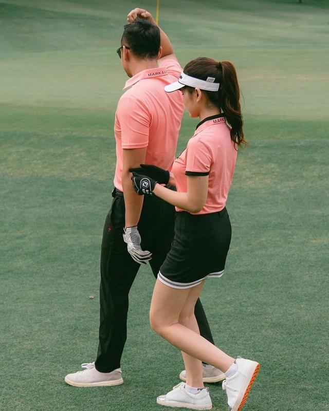 "Nu MC K+ ke chuyen ""di nham san golf duoc chong nhu y""-Hinh-6"