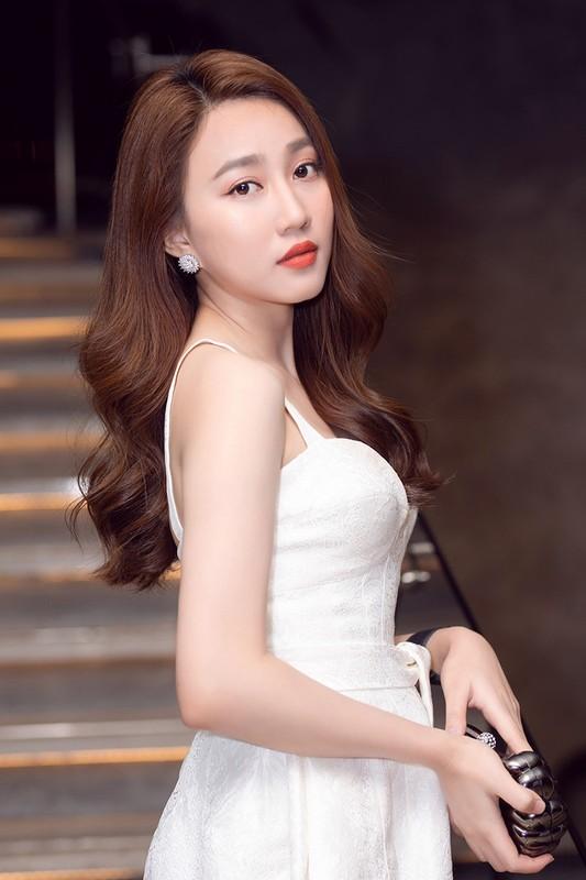 Ban gai cu Tien Linh gay tranh cai vi phat ngon che dan ong-Hinh-3