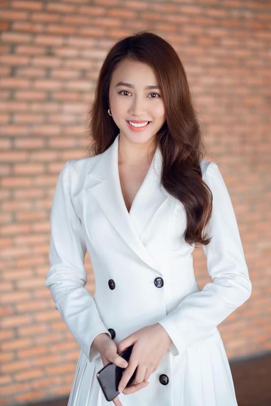 Ban gai cu Tien Linh gay tranh cai vi phat ngon che dan ong-Hinh-4