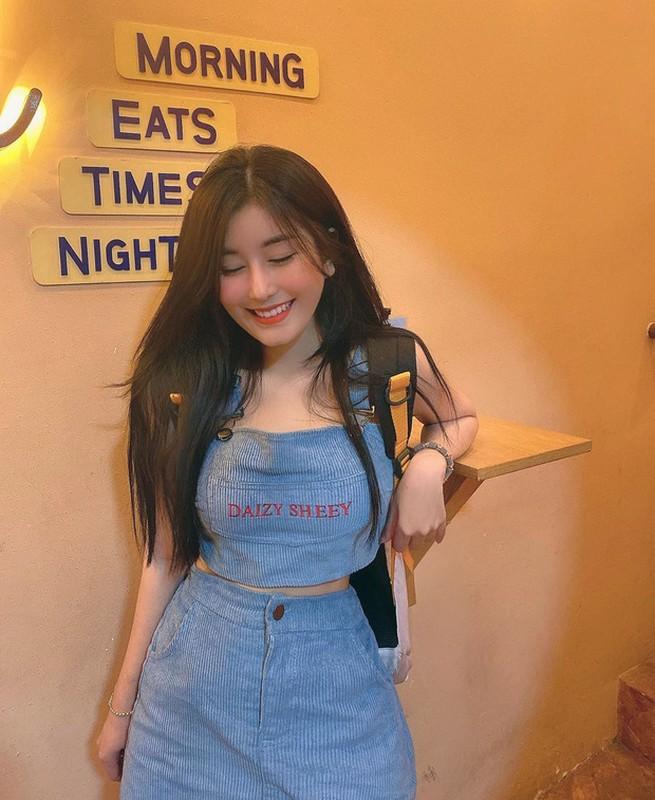 Dung app qua da, hot girl Sai Thanh bi boc me nhan sac that