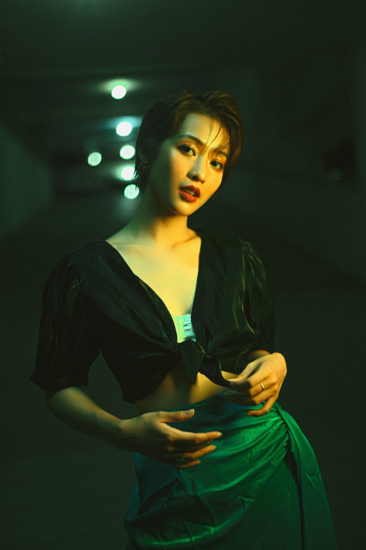 Hau cat toc ngan, Kha Ngan lot khien dan tinh khong the nhan ra-Hinh-10