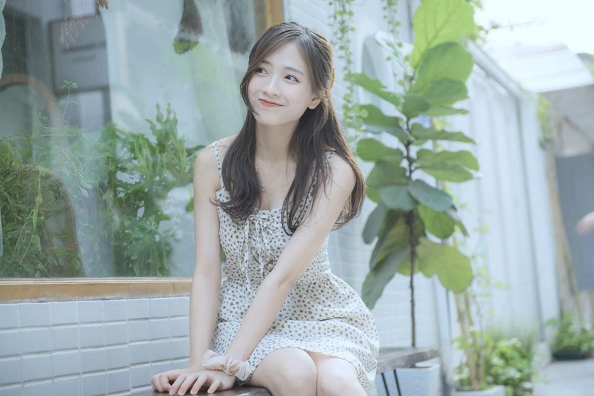 Nu sinh truong Y khoe nhan sac trong veo nhu suong som-Hinh-10