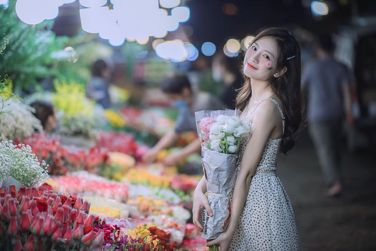 Nu sinh truong Y khoe nhan sac trong veo nhu suong som-Hinh-8