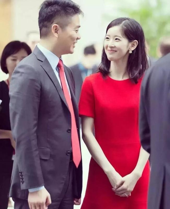 """""""Hot girl tra sua"""" xu Trung dau chi dep ma con giau co chu danh-Hinh-5"""