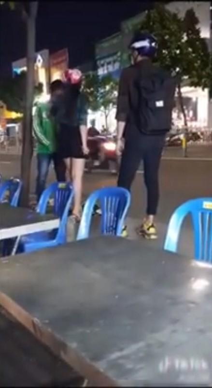 Chang xe om cong nghe phat hien bi ban gai lam dieu nay giua pho-Hinh-6