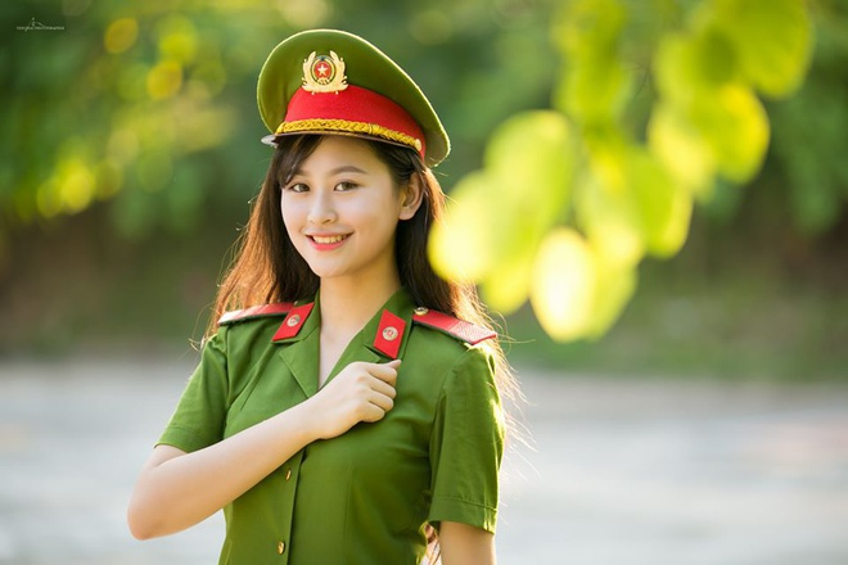 Hoa khoi truong Canh sat dau chi co hoc gioi lai con xinh het nac-Hinh-2