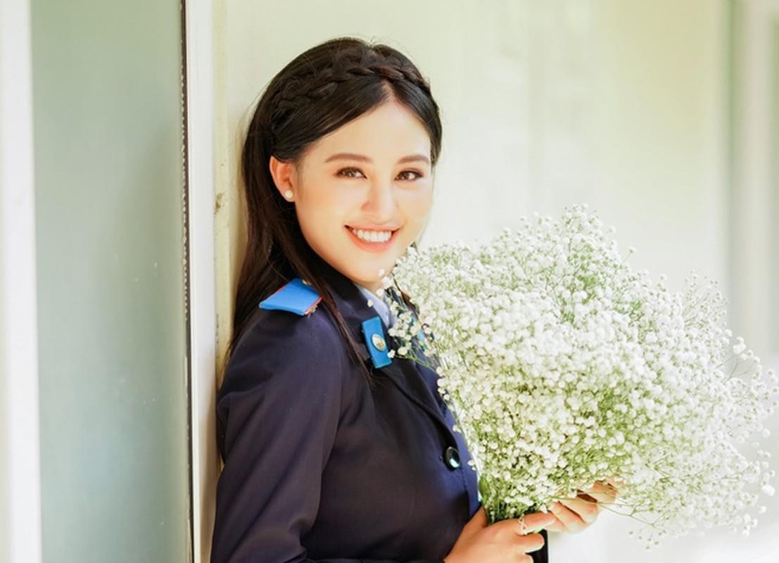 Hoa khoi truong Canh sat dau chi co hoc gioi lai con xinh het nac-Hinh-3