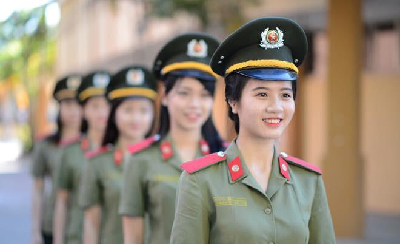 Hoa khoi truong Canh sat dau chi co hoc gioi lai con xinh het nac-Hinh-6