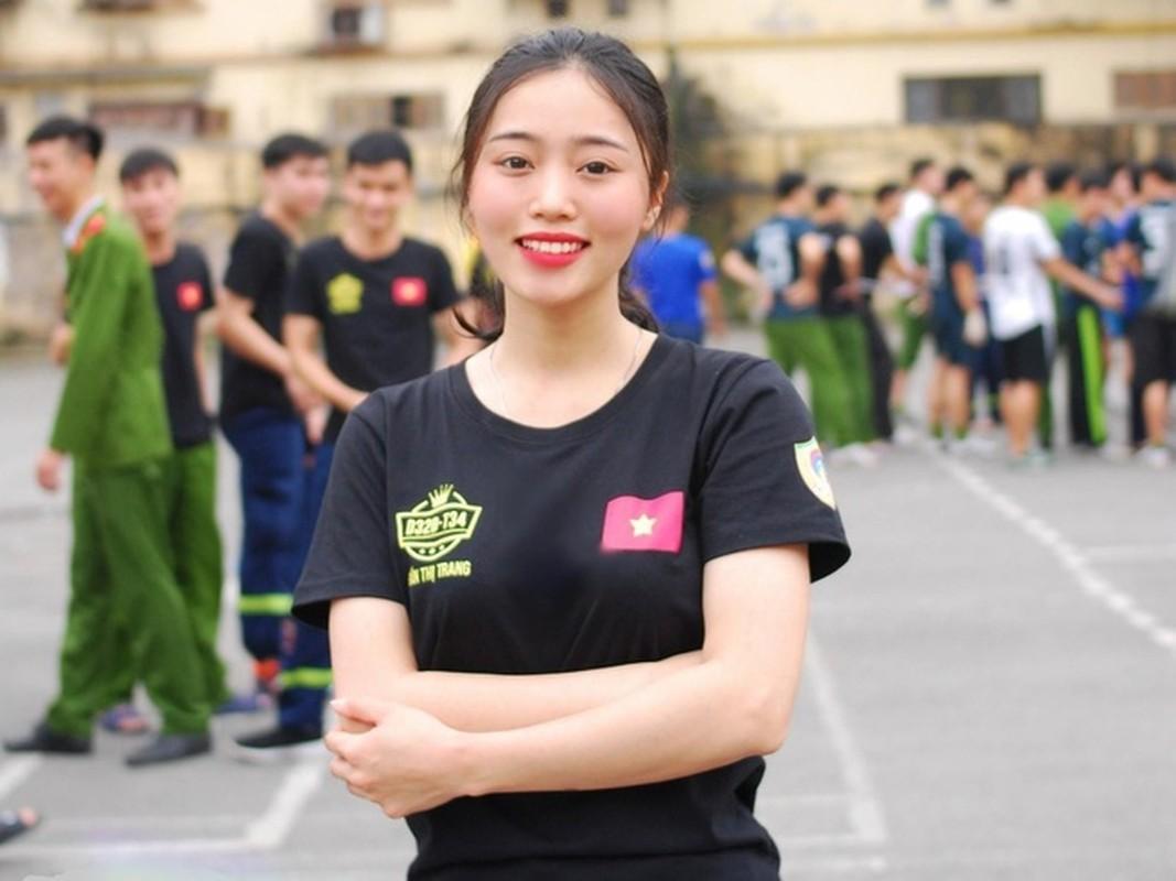 Hoa khoi truong Canh sat dau chi co hoc gioi lai con xinh het nac-Hinh-9