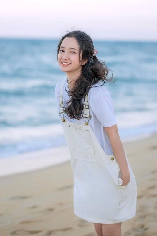 Lien tuc bi nham voi Nha Phuong, nu sinh 10X gay sot mang