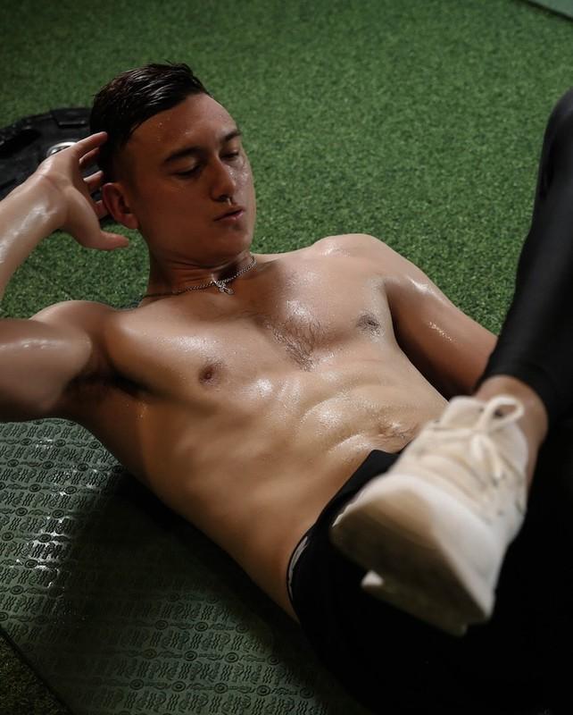 Van Lam mat 6 mui, dan em duoc thoi khoe body chuan-Hinh-4