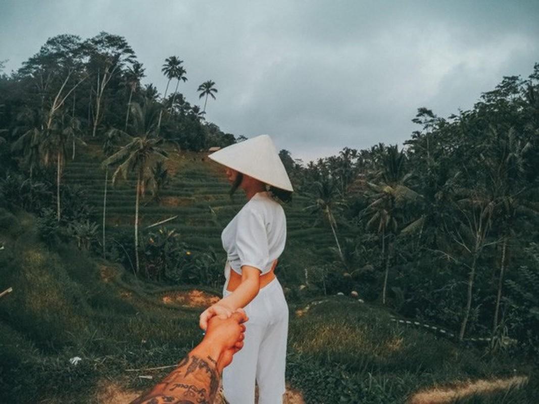 """Khoe anh """"Dua em di khap Bali"""", nu CEO """"Nguoi ay la ai"""" gay sot-Hinh-3"""