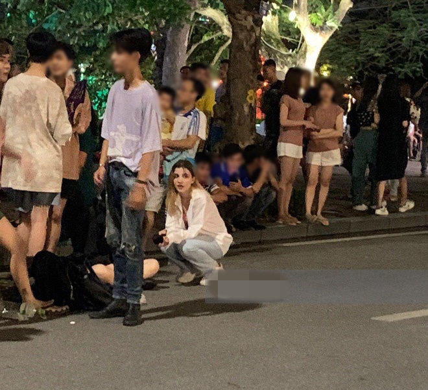 Gai Tay gay sot pho di bo, tuong ai hoa hot girl Tik Tok trieu view-Hinh-2