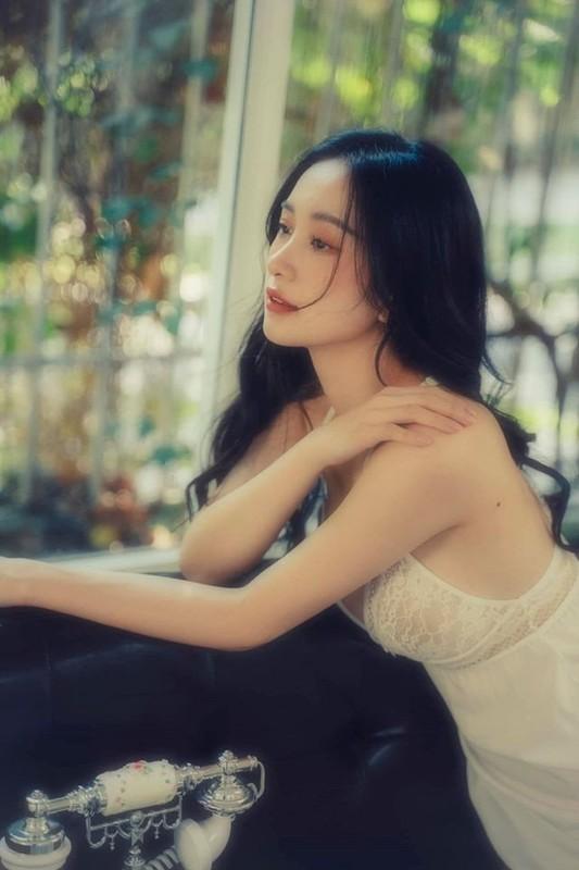 Hot girl Viet kieu lai dot mat dan tinh trong do ngu mong tang-Hinh-10