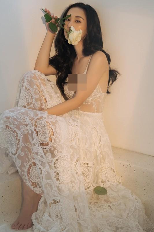 Hot girl Viet kieu lai dot mat dan tinh trong do ngu mong tang-Hinh-2