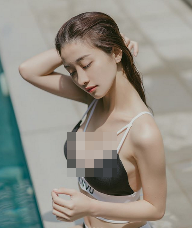 Hot girl Viet kieu lai dot mat dan tinh trong do ngu mong tang-Hinh-4