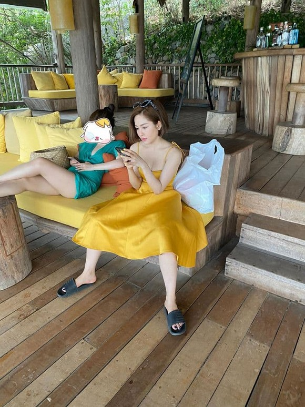 Hot girl Tram Anh lai bi loi chuyen cu sau man dang anh qua da-Hinh-6
