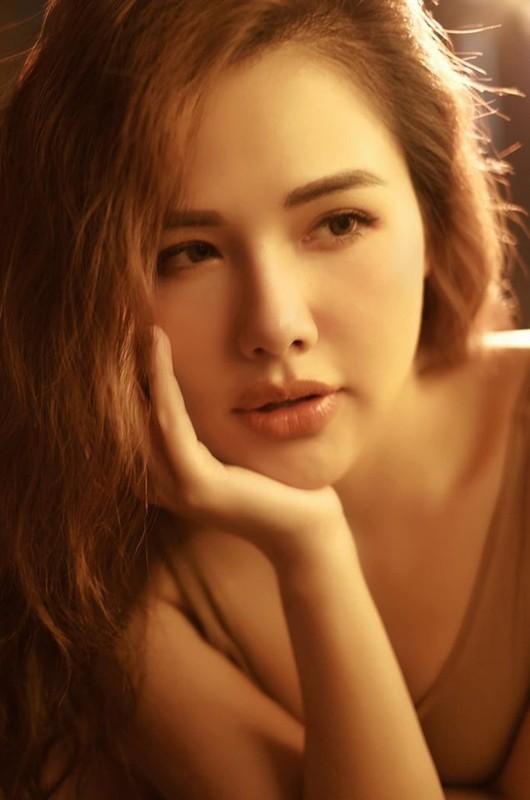 Khoe anh di bien, hot girl Phanh Lee khien dan tinh phai xuyt xoa-Hinh-7