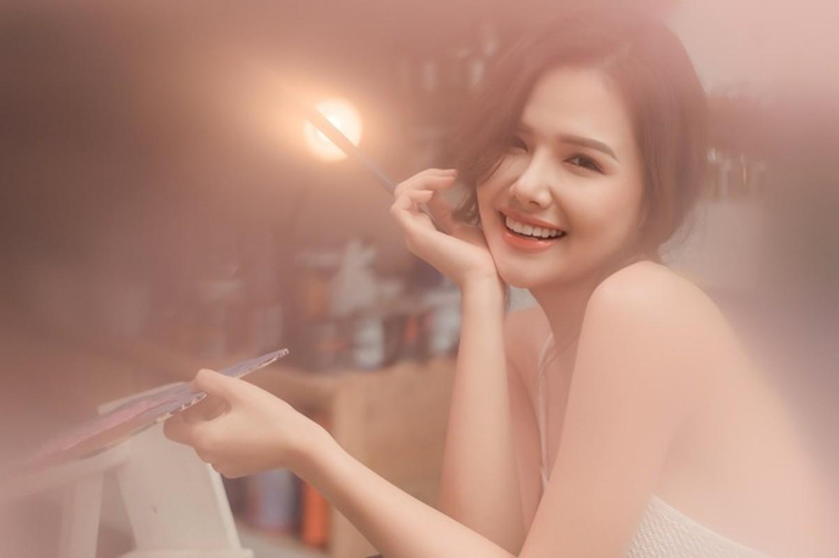 Lo khong gian cuoi cua hot girl Phanh Lee, nhin la me-Hinh-11
