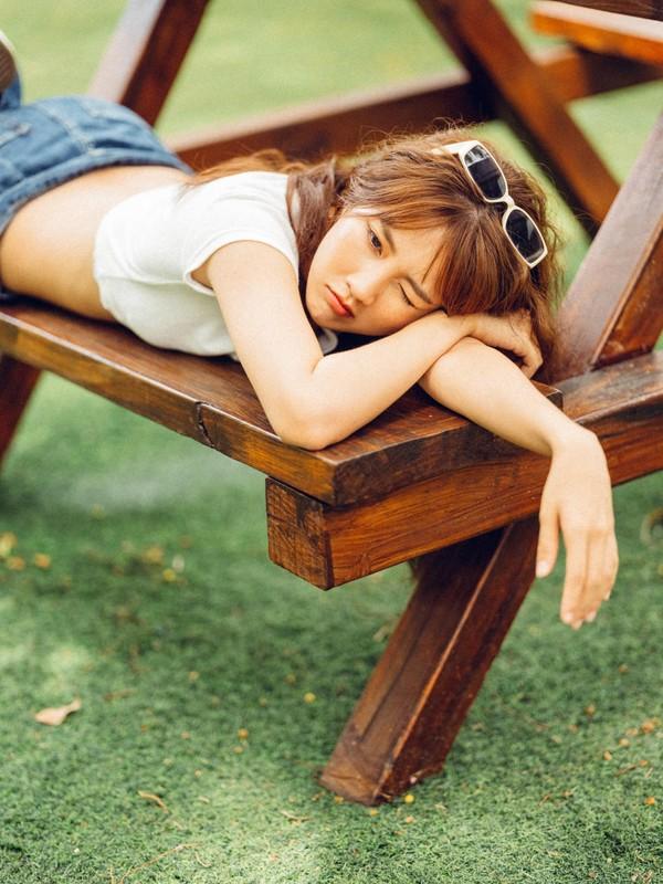 """""""Hot girl tra sua"""" Kieu Trinh Xiu bat ngo khoe tron vong eo goi cam-Hinh-11"""