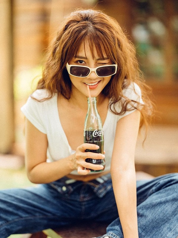 """""""Hot girl tra sua"""" Kieu Trinh Xiu bat ngo khoe tron vong eo goi cam-Hinh-4"""