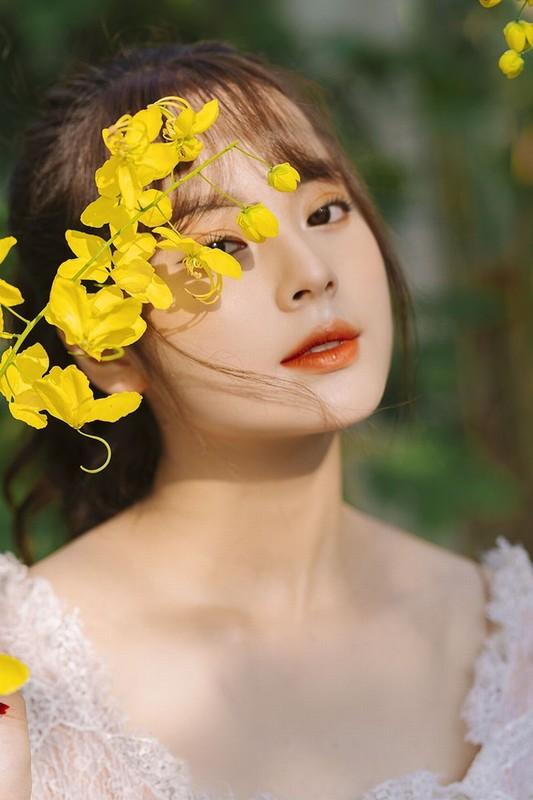 Ve dep lay dong long nguoi, nu sinh Hoc vien Tai chinh gay sot mang-Hinh-3