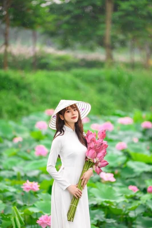 Ve dep lay dong long nguoi, nu sinh Hoc vien Tai chinh gay sot mang-Hinh-5