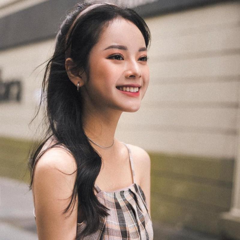 Ve dep lay dong long nguoi, nu sinh Hoc vien Tai chinh gay sot mang-Hinh-6