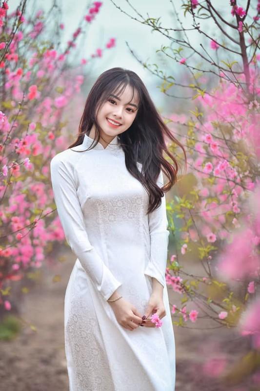 Ve dep lay dong long nguoi, nu sinh Hoc vien Tai chinh gay sot mang-Hinh-7