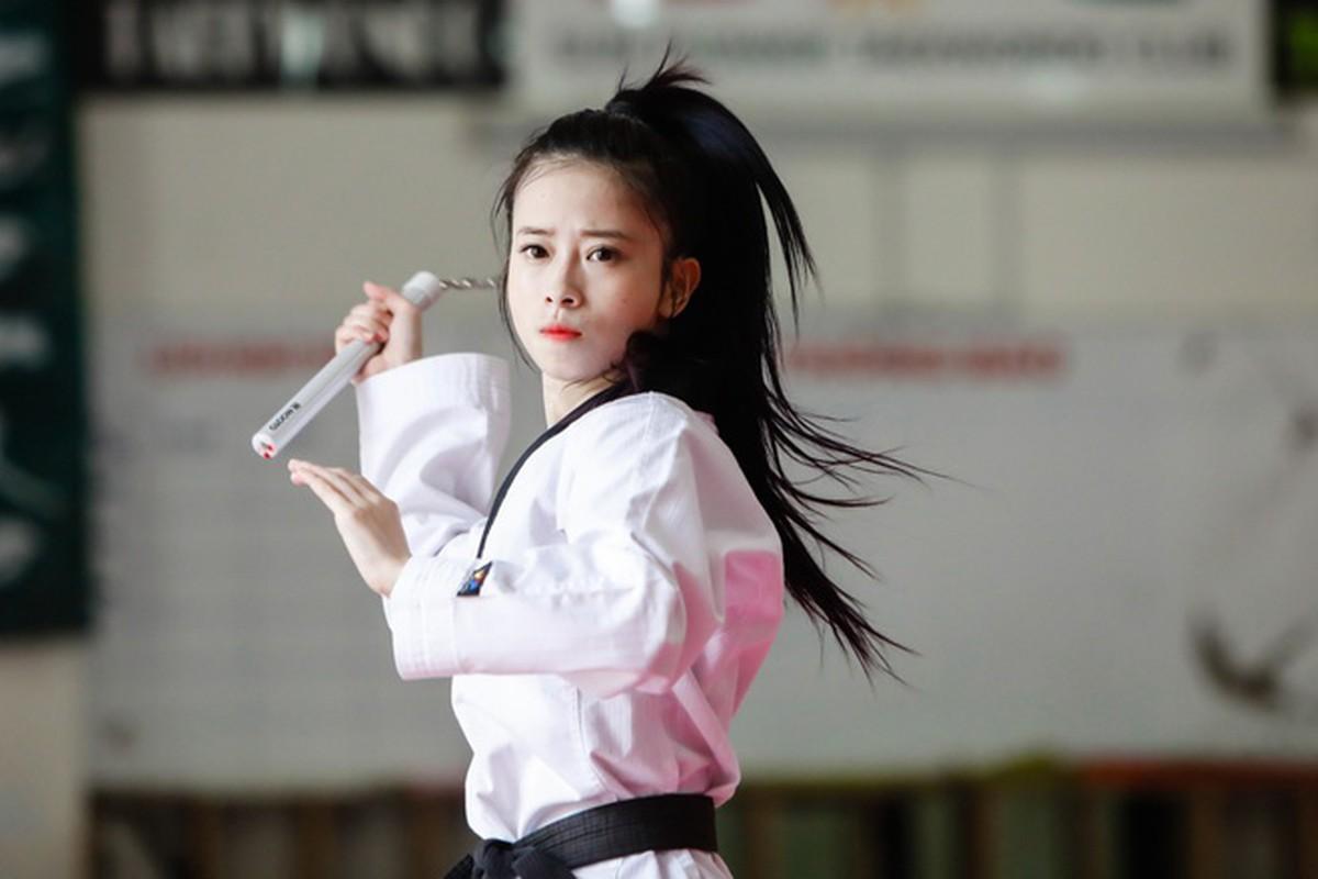 Bi fan goi nham ten, hot girl Taekwondo len tieng chinh don