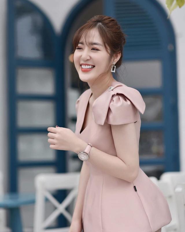Nu chinh Nguoi ay la ai tap 8 bi soi nhan sac that khac xa len song-Hinh-9