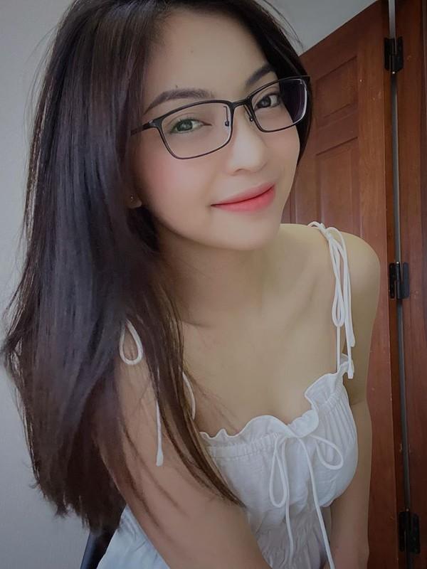 Quang Hai lo tin nhan nhay cam, ban gai cu khoe nhan sac