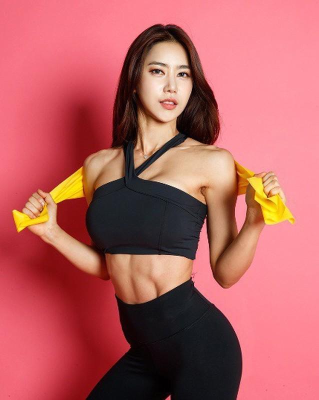 Chan nghe giao, hot girl Han Quoc lan san lam nguoi mau the hinh-Hinh-2