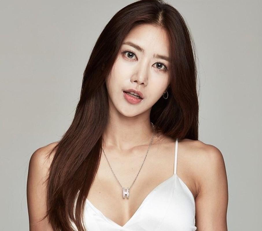 Chan nghe giao, hot girl Han Quoc lan san lam nguoi mau the hinh