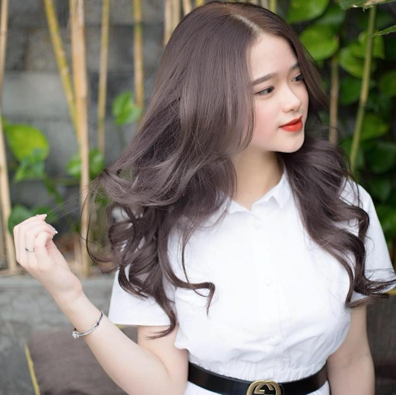 Mac ao tam goi cam, hot girl Linh Ka duoc fan khen nuc no-Hinh-2